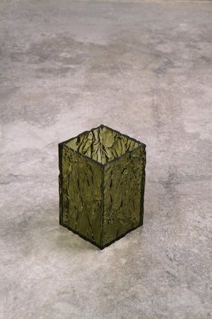Load image into Gallery viewer, The CRUSHED ICE vase in Green