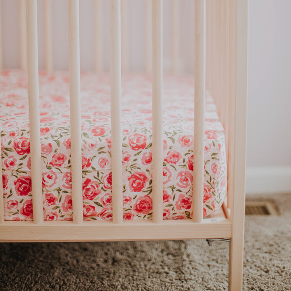 Crib Sheet - Covered In Roses Pink