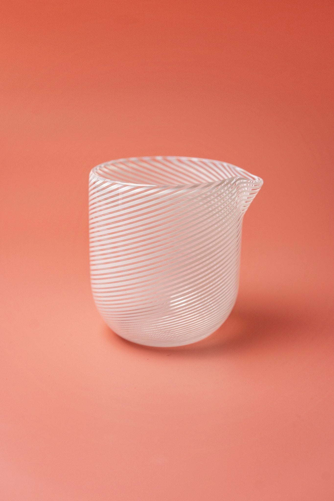 Filigrana pouring bowl