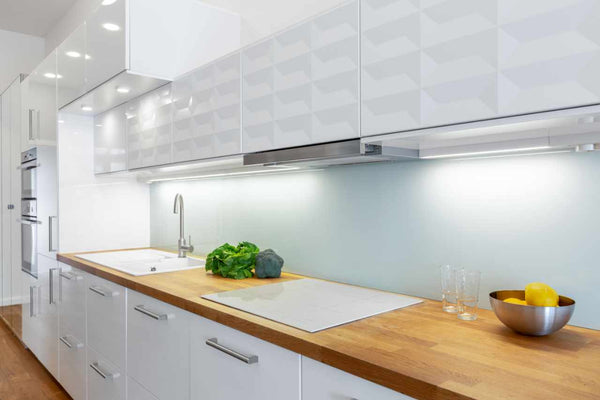 Kitchen lit with LED recessed lighting in a Cold White colour.