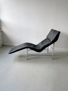 BLACK LEATHER & CHROME SKYE LOUNGE CHAIR BY TORD BJORKLUND FOR IKEA, 80'S
