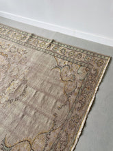 Load image into Gallery viewer, LARGE FADED PINK & GREEN OUSHAK TURKISH RUG