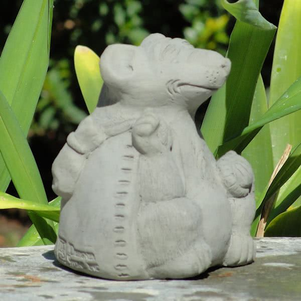 Load image into Gallery viewer, Meditating Rat (Small)