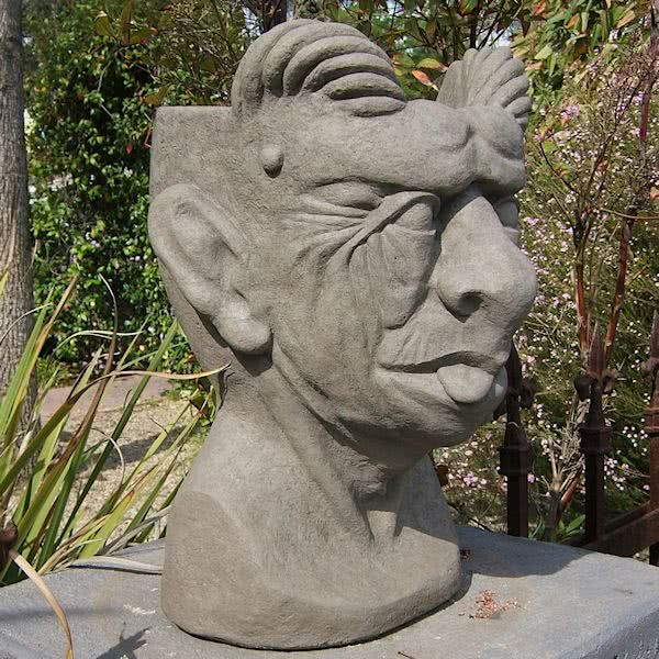 Load image into Gallery viewer, Gargoyle Head Planter