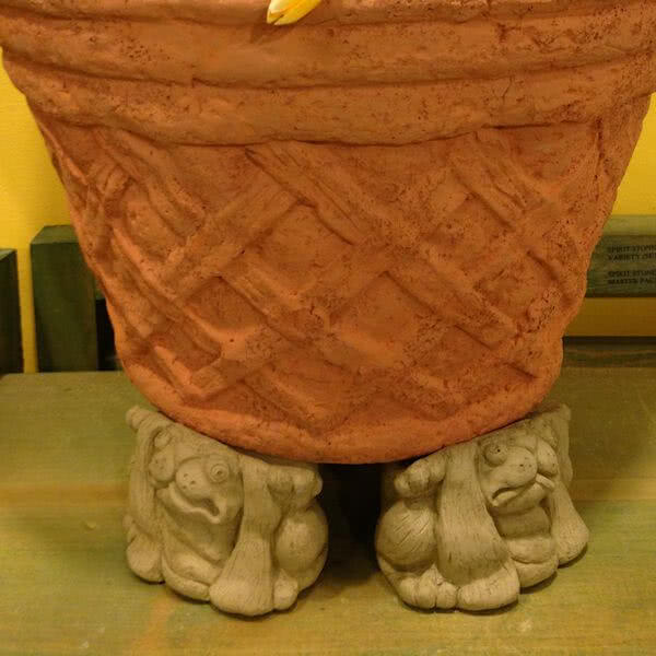 Scrunched Rabbit Pot Feet (Set of 3)