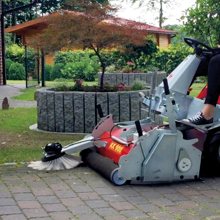 Axial sweeper AX 900 for the westermann CM2 Electric Ride On
