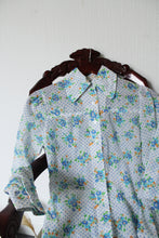Load image into Gallery viewer, Polka Dot Floral Print 50's Shirt
