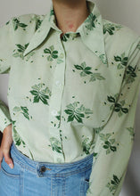 Load image into Gallery viewer, Green Floral 70s Shirt