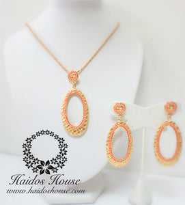 PS109 - Oval Peach Beaded Gold Pendant Set