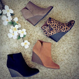 Lemmikshoes Side Slit Wedge Booties