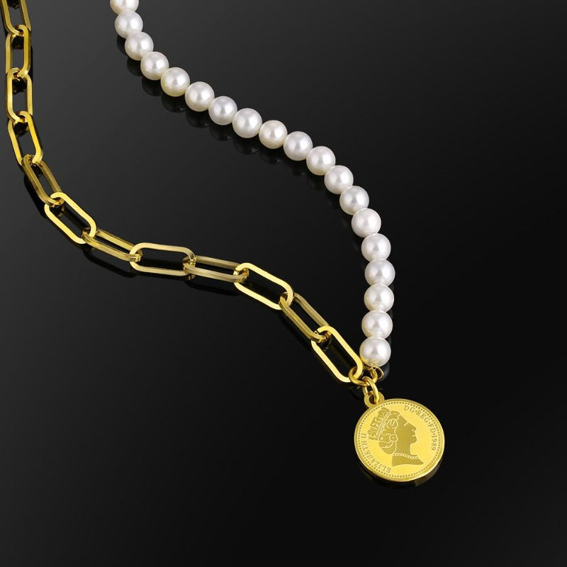 Queen Elizabeth's Pearl x Paperclip Necklace