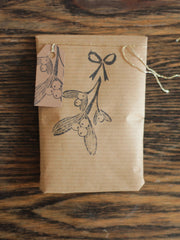 Yellow Owl Workshop Mistletoe Stamp set