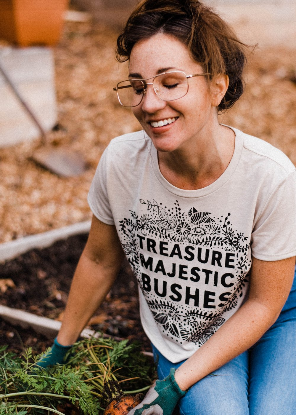 Majestic Bushes - bone - 5% donated to Planned Parenthood