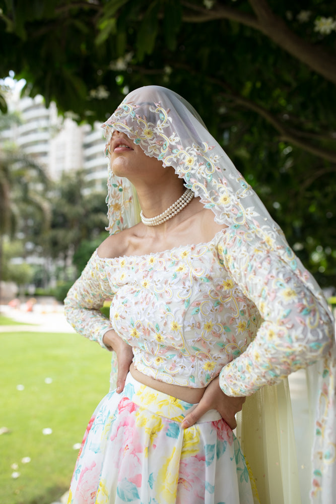 Nuna - White Organza Embroided Lehnga Set