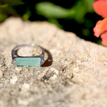 Load image into Gallery viewer, Rhodium Plated Green Chalcedony Bar Ring