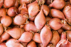 Eschalots - Shallots, also known as eschalots or French shallots, are a type of onion related to the garlic family.