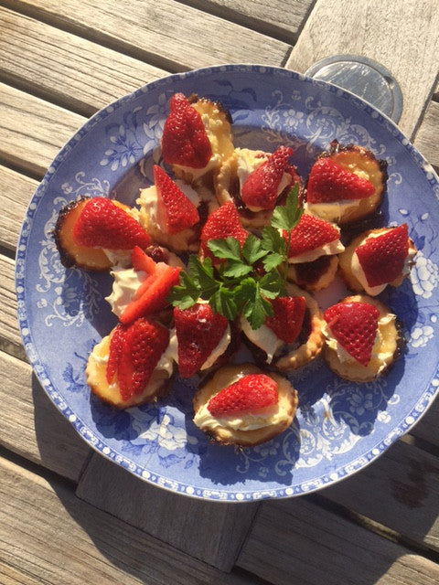 RECIPE HACK: STRAWBERRY TARTS