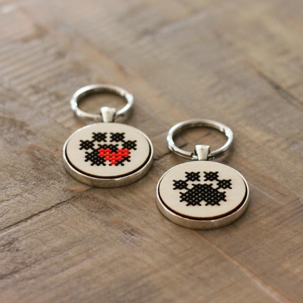 Cross stitch pawprint keychain kit