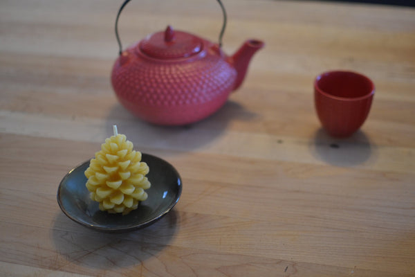 Beeswax candle - pinecone