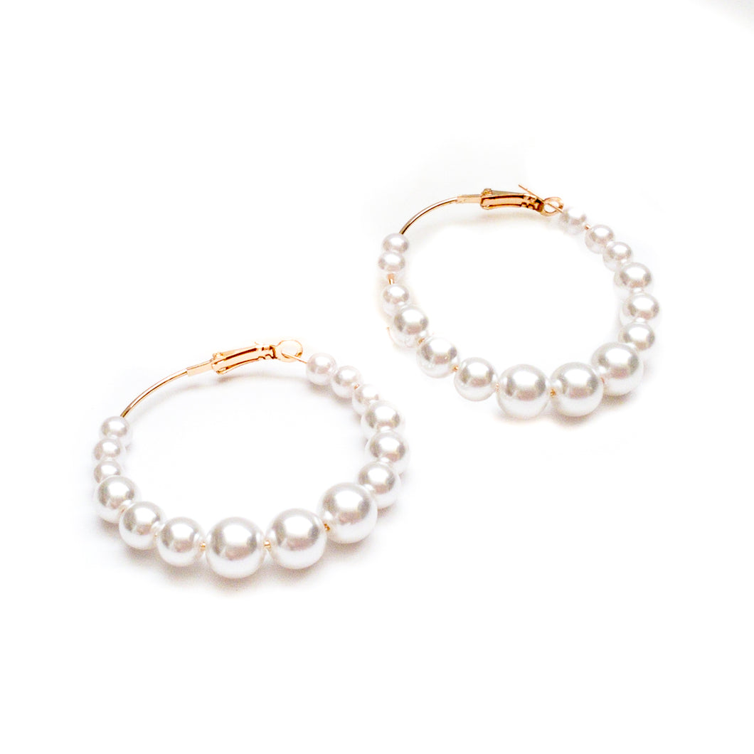 Circle of pearl Hoop Earrings