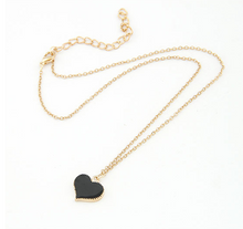 Load image into Gallery viewer, Heart Shape Pendant Necklace