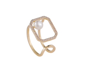 Pearl Square Golden Ring