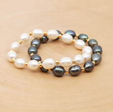 Load image into Gallery viewer, Natural Freshwater Pearls Bracelet