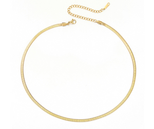 Short Flat Chain Necklace