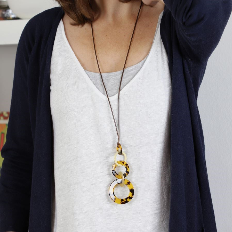 POM Brown Resin & Gold Rings Necklace
