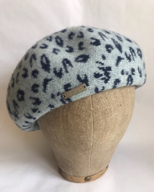 Seeberger Beret with Leo pattern Blue/Grey
