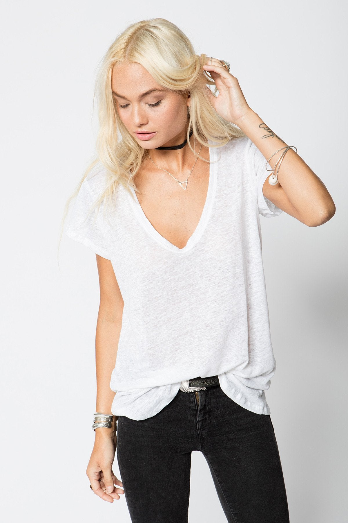 THE LINEN SCOOP NECK TEE