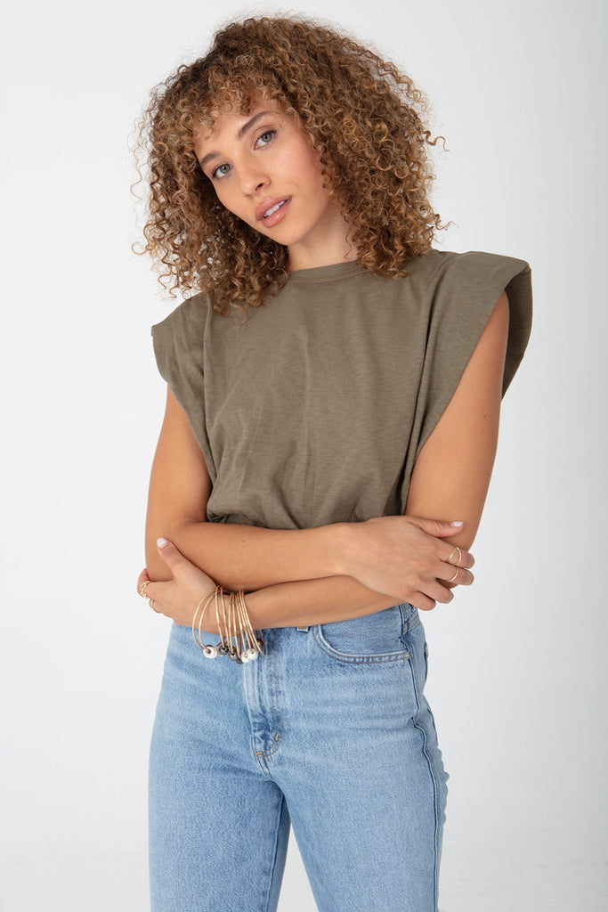 STRONG SHOULDER CROP