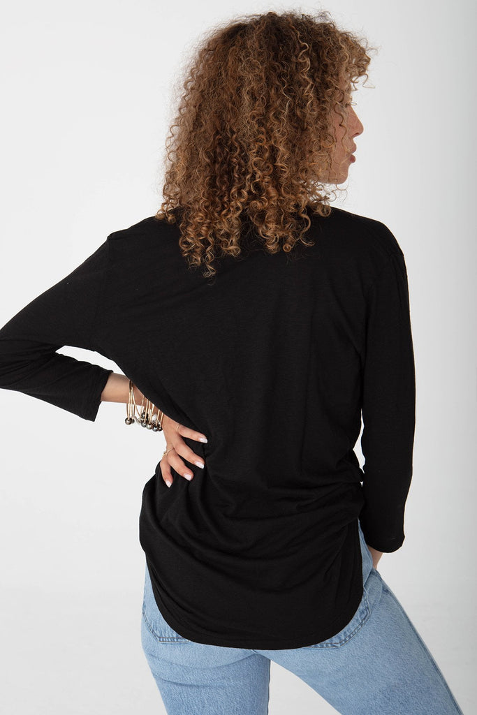 DEEPEST U NECK QUARTER SLEEVE