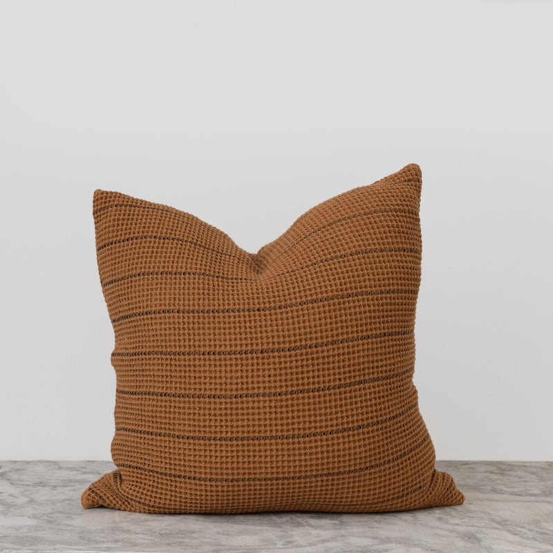 Arda Pillow