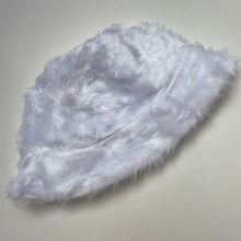 Load image into Gallery viewer, Fluffy bucket hat - White