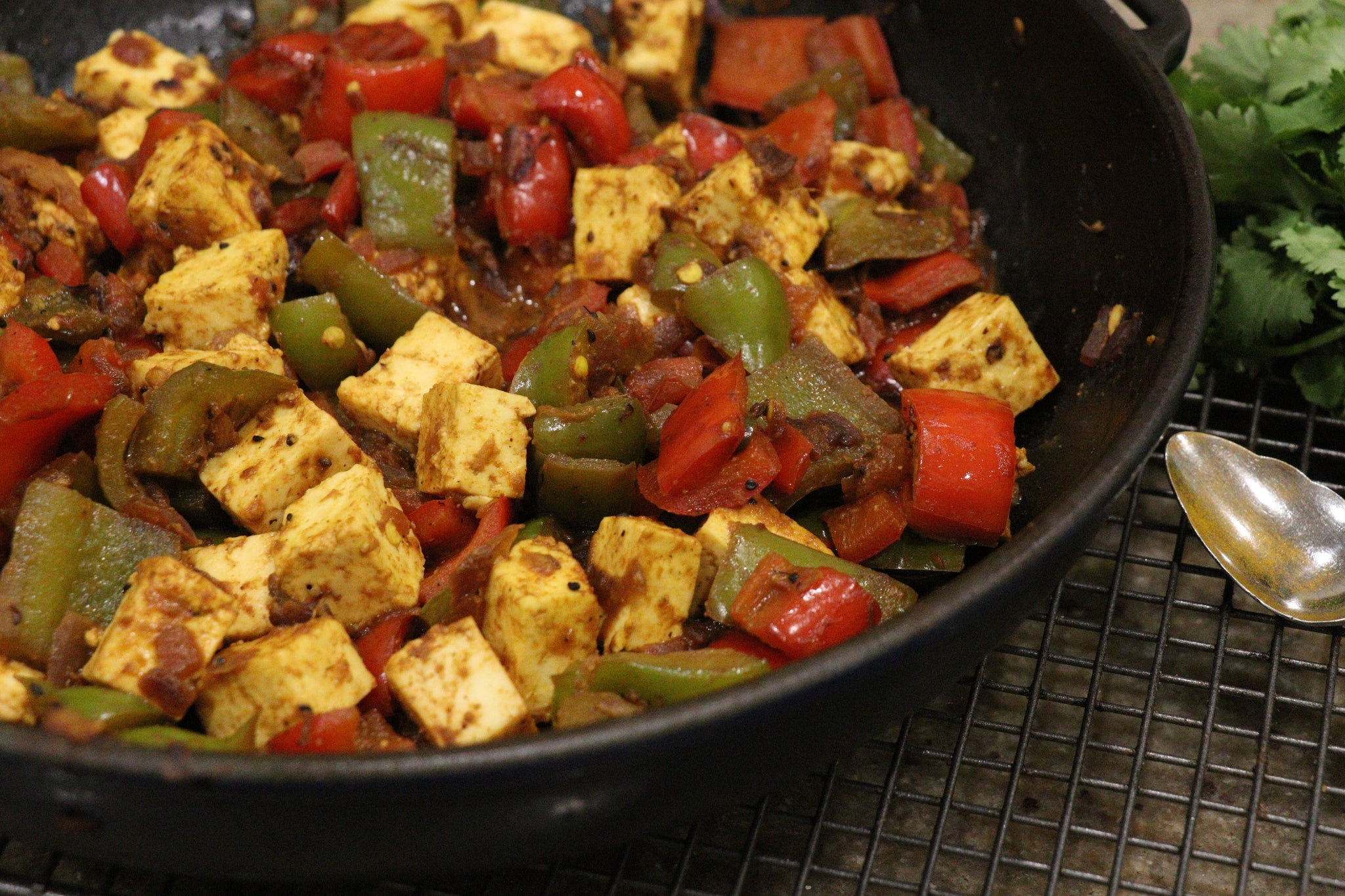 Tawa Paneer (Cottage Cheese cooked in Iron Pan)