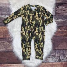 Load image into Gallery viewer, Zip-Up Romper Green Camo