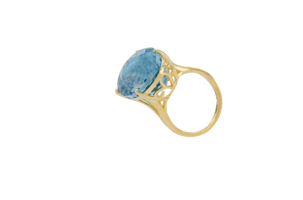 9K Yellow Gold Blue Topaz Oval Ring