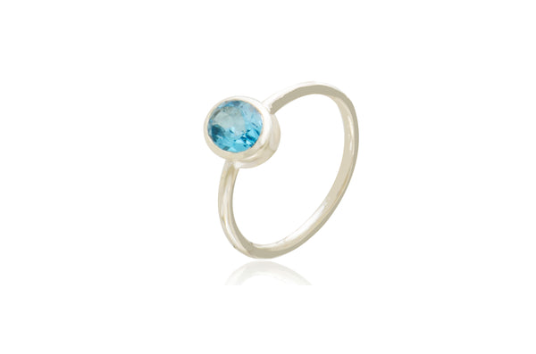 Sterling Silver Blue Topaz Oval Ring