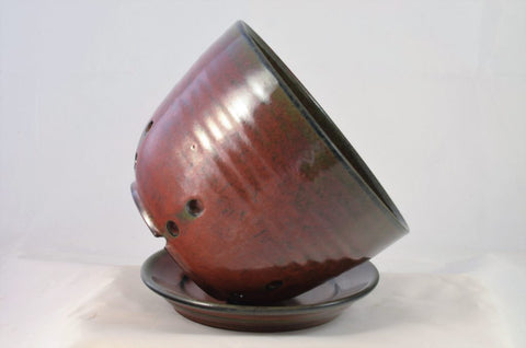 iron red berry bowl with saucer