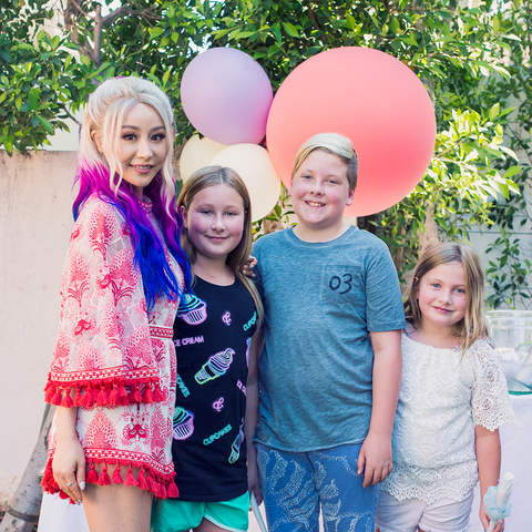 Wengie and Tori Spelling's family