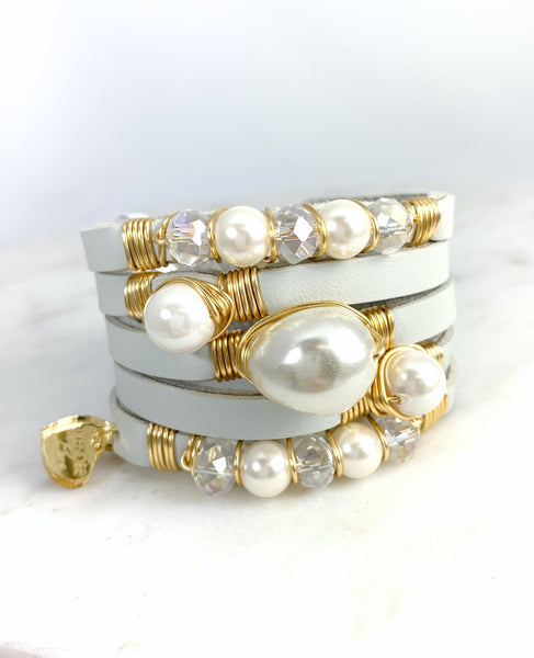 Maxi Cuff Leather / Pearls / Light Gray