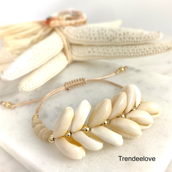 Arrow shell bracelet