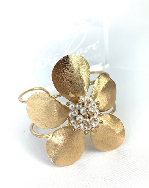 Flower Cuff - Dainty Pearls