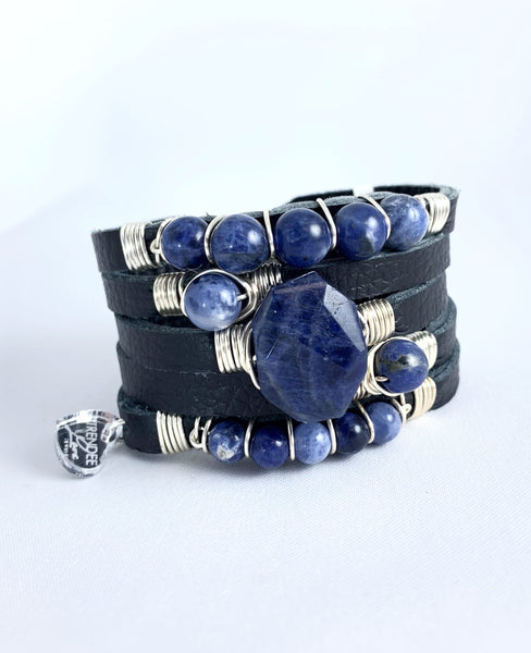 Maxi Cuff Leather / Black / Blue Vein