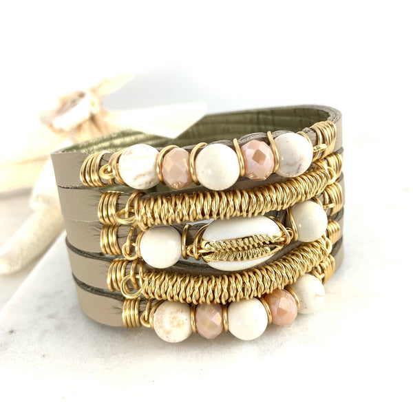 Maxi Cuff Leather / Cowrie Shell - Pink & Beige / Gold Plated