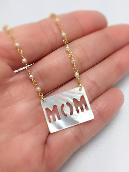 Mom Necklace - Dainty Pearls