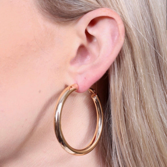Shiny Latchback Hoop Earring