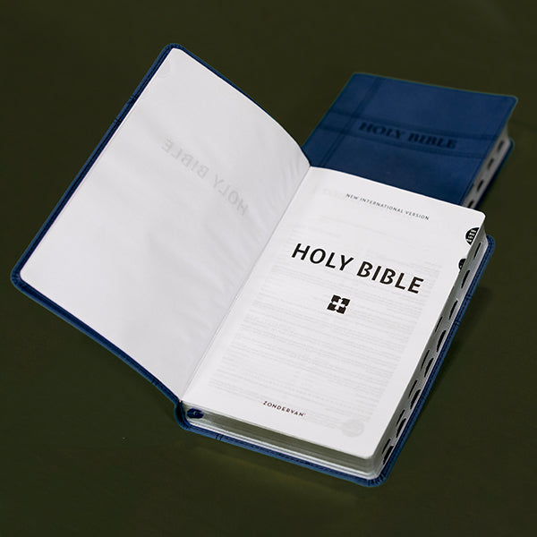NIV - Premium Gift Bible Navy index LS