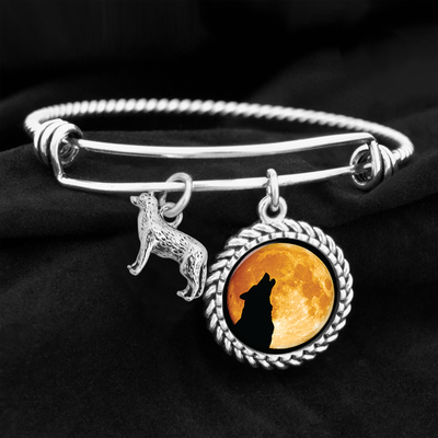Howl At The Moon Wolf Charm Bracelet